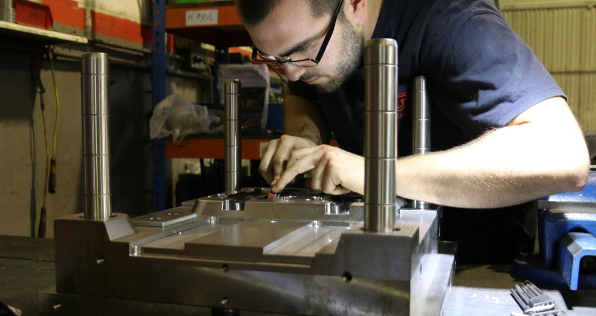 Manufacturing the mould